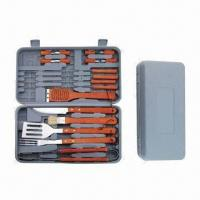 China Plastic Handle BBQ Tools Set, Made of Stainless Steel with Wood Handle wholesale