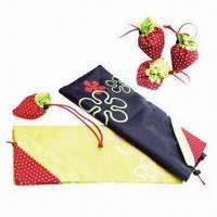 China Foldable Strawberry-shaped Bags, Measures 36 x 58cm, OEM Orders are Accepted wholesale