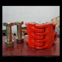 Buy cheap oil wellhead API 8C polished rod clamp with high quality from china supplier from wholesalers