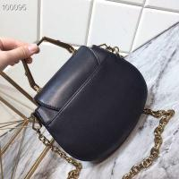 China CHARLES & KEITH  Whole Cowhide Original Metal Pearl Buckle Solid Metal Handle, Inside Inside Card Holder For All Cowhide wholesale