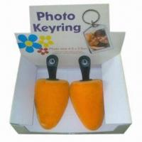 Buy cheap Shoe trees with handle, various colors and sizes are available, OEM orders are from wholesalers