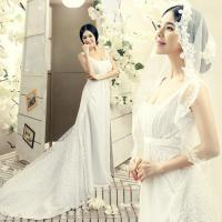 China Unique 3D lace Customized Wedding Dresses with Square Neckline for Bridal wholesale