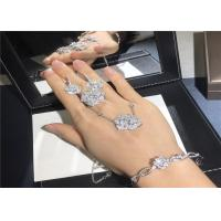 China Exquisite 18K White Gold Diamond Engagement Ring customizable For Ladies wholesale