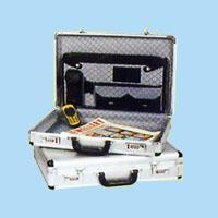 China Aluminum suitcase luggage wholesale