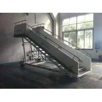 Stable Aircraft Passenger Stairs 4610 kg Rear Axle Carrying Capacity