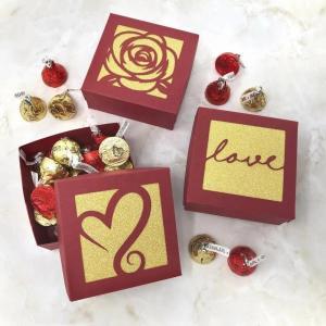 China Economic Custom Printed Candy Boxes , Carton Gift Box 25X15X0.2 Cm on sale