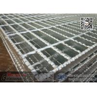 China Serrated Bar Steel Grating | 1X6m Serrated Surface Welded Grating Supplier wholesale