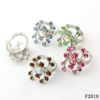 China Gold Cluster Women's Western Jewelry Rings with Rhodium Color for Gift wholesale