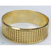 China Eco-friendly fashion blue gold stone jewelry metal bangles with low  MOQ wholesale