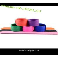 Quality wholesale custom logo silicone pink color promotional reflective slap wristband for sale