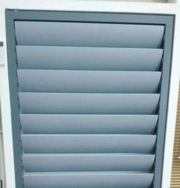 Ventilate motorized Aluminum Venetian Blinds for outdoor easy operation Customized