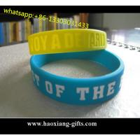 China hot sale High quality promotional colorful debossed silicone wristband/bracelet wholesale