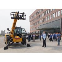 China 2.5ton 7000mm Lifting Height Telescopic Forklift With Bucket Attachments wholesale