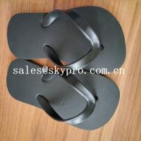 China Comfortable Black Plain Flip Flops / Sandals Wear resistant Summer Beach Slippers wholesale