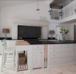 China Matt MDF Wood Kitchen Cabinets Quartz / Granite Countertop Lacquer Shaker Style on sale
