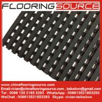 China Heavy Duty PVC Grid Safety Matting Water Drainage slip-resistant barefoot matting wholesale