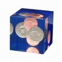 Quality Clear Acrylic Coin Paperweight, Suitable for Decoration and Souvenir, Transparent and Clear for sale