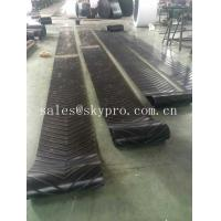 China Heavy Duty Roller Canvas Conveyor Belt For Sand Conveying Machine , Flat / Cut Edge Type wholesale