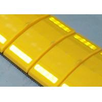 China UV Proof Removable Speed Humps With High Intensity Reflector Over 1000 Meters Visual wholesale