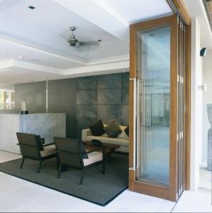 China Exterior Tempered Folding Glass Door Replacement Powder Coating 6063 Aluminum wholesale