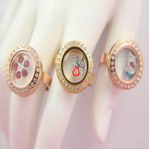 China Fashional Crystal Magnetic Glass Locket Ring wholesale