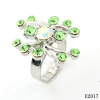 China Fashion Women's Finger Western Jewelry Rings with Green Crystal for Gift OEM wholesale