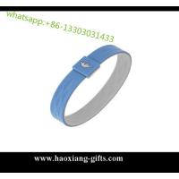 China Factory supply embossed logo glow in dark custom silicone wristband/bracelet wholesale