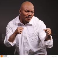 China Western Style Celebrity Action Figure Mike Tyson Life Size Resin Human Replica Statue wholesale