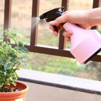 China Light Pink Or Blue Sprayer Use Garden Plant Accessories PP And PVC Materials Light pink or light blue 11x21cm 0.07kg wholesale