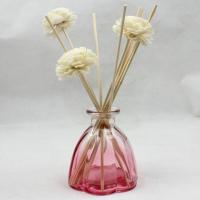 China Eco Friendly Beautiful Glass Reed Diffuser Bottles Oil Diffuser Bottle wholesale