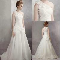 China High Density Of Fish Bone Structure Shoulder Style Customized Wedding Dresses , With Unique 3D Draping Process wholesale