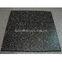 China Multi-color rubber pavers Smooth embossed Surface , crumb rubber tile flooring wholesale