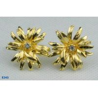 China Tin alloy and Gold Plated Flower Shape Earplugs Zirconia Stud Earrings wholesale