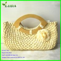 Straw Beach Bag With Wooden Handles Of Item 103448433