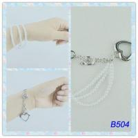 China Tin Alloy Side Chain Jewelry 2 Tones Color Metal Cuff Bracelets with pearl for Party wholesale