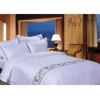 Various Sizes Hotel Bed Linen Sheets Classical Embroidery Pattern