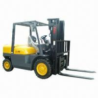 China Diesel Forklift Truck, 4.5T Rated Loading Capacity, 3.0m Lifting Height wholesale