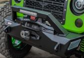 China Custom Jeep Wrangler Bumpers , Jeep Wrangler Aftermarket Bumpers With 10'' Light Bar wholesale