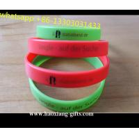 China manufacturer custom debossed/embossed/printed silicone bracelets glow in dark wholesale
