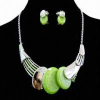 China 2013 Fashionable Jewelry Set with Resin Beads, Latest Design Charm Necklace Earrings wholesale