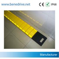 China Driveway Removable Speed Bumps , Recycled Rubber Temporary Speed Bumps wholesale