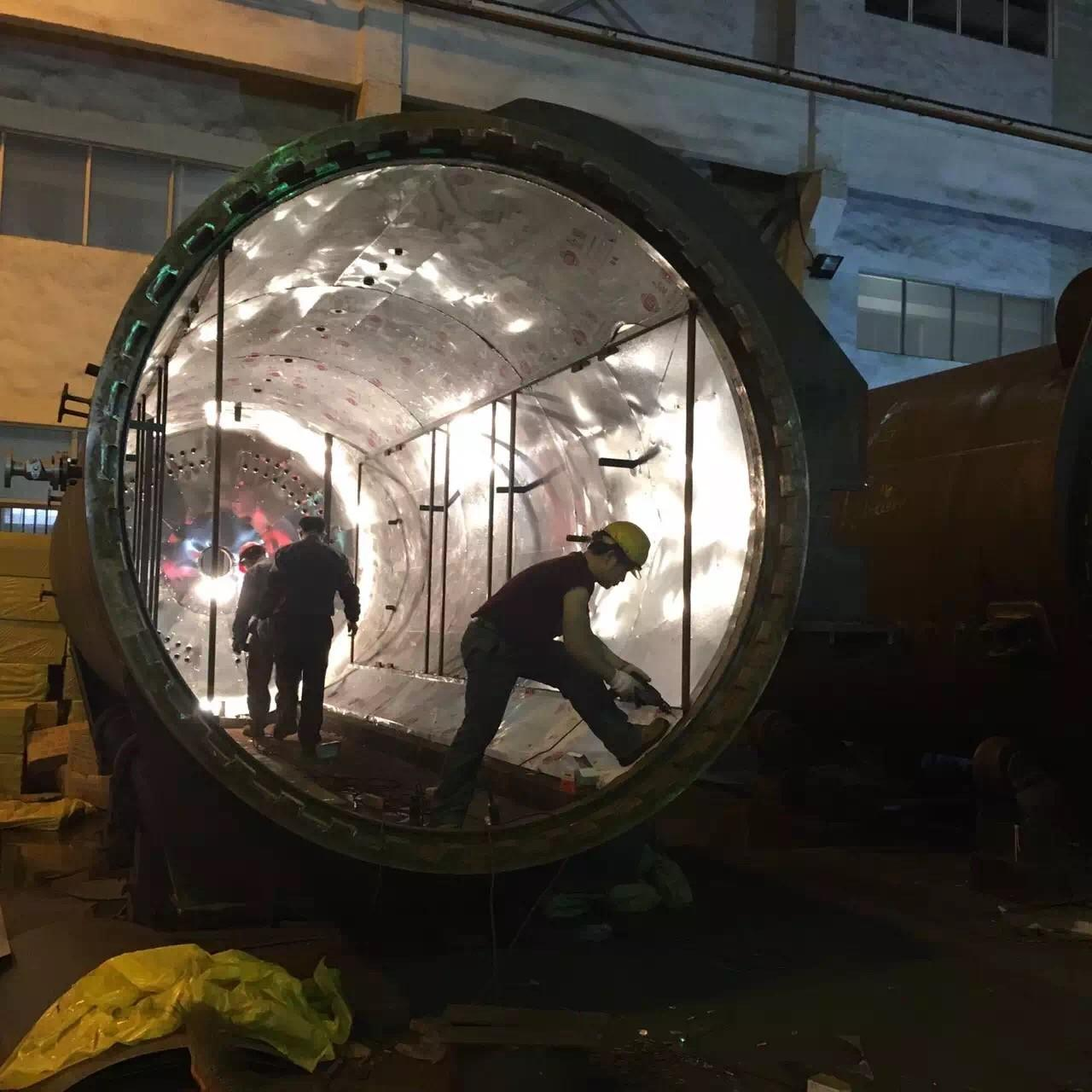 China Rubber Vulcanizing Autoclave With Safety Interlock , Automatic Control High Temperature And Low Pressure wholesale