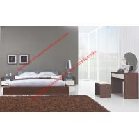 China Modern italian fabric upholstery pad for gloss bedroom furniture by bed and nightstand wholesale