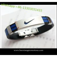 China Eco-friendly 100% Custom silicone wristband/bracelets with debossed logo wholesale