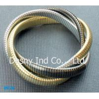 China OEM Women's Gold Color Metal Bangles for Party, lead and nickel free wholesale