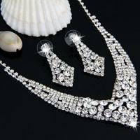 China Silver Plated Rhinestone Necklace Earrings Jewelry Set V-shaped MODE wholesale
