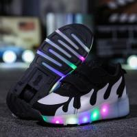 China 2017 high quality adult led roller skate shoes,low price light roller shoes with retractable wheels on sale