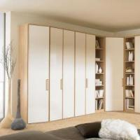China Fashion White Clothing Closets with Lacquer Doors Bedroom Furniture wholesale