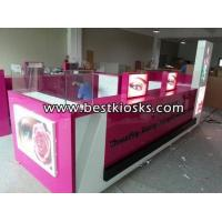 Two chairs eyebrow threading kiosk for mall