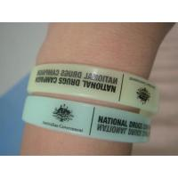 China Customize glow in the dark Silicon Wristbands wholesale